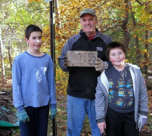 2-Halloween 2015 Powhatan Park Cleanup, invasive removals and planting 018 (4)